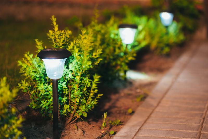 Zes tips voor de aanschaf van tuinverlichting